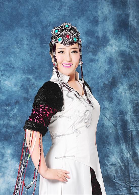 歌手格格丰满_钢琴 吉他 葫芦丝 口琴 蒙古舞蹈 词曲创作 ——歌手特质——   格格