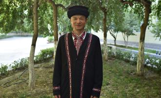 """那迪拜克·阿瓦孜拜克(塔吉克族)有困难就找""""帐篷哥"""""""