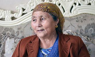 阿尼帕·阿力马洪(维吾尔族)让民族团结代代相传