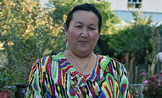 """木克旦斯·依拉木(乌孜别克族)12个孤儿的""""天山母亲"""""""