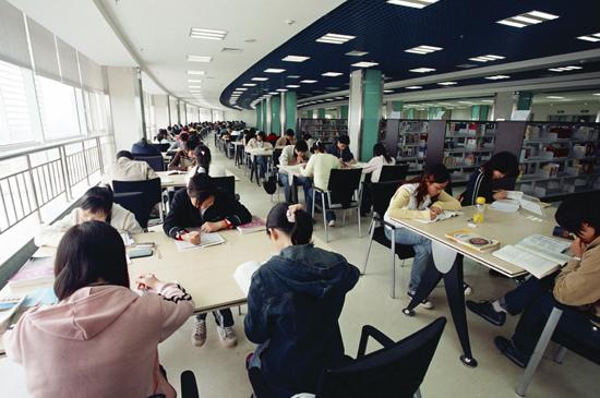 湖北经济学院张艺_湖北经济学院校园风光高考填报志愿参考系统