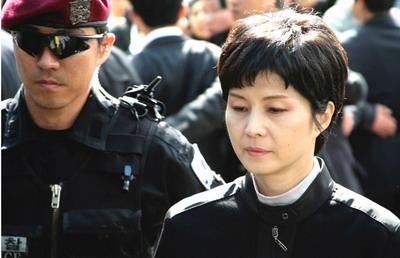 朝鲜美女特工爆破韩客机内幕